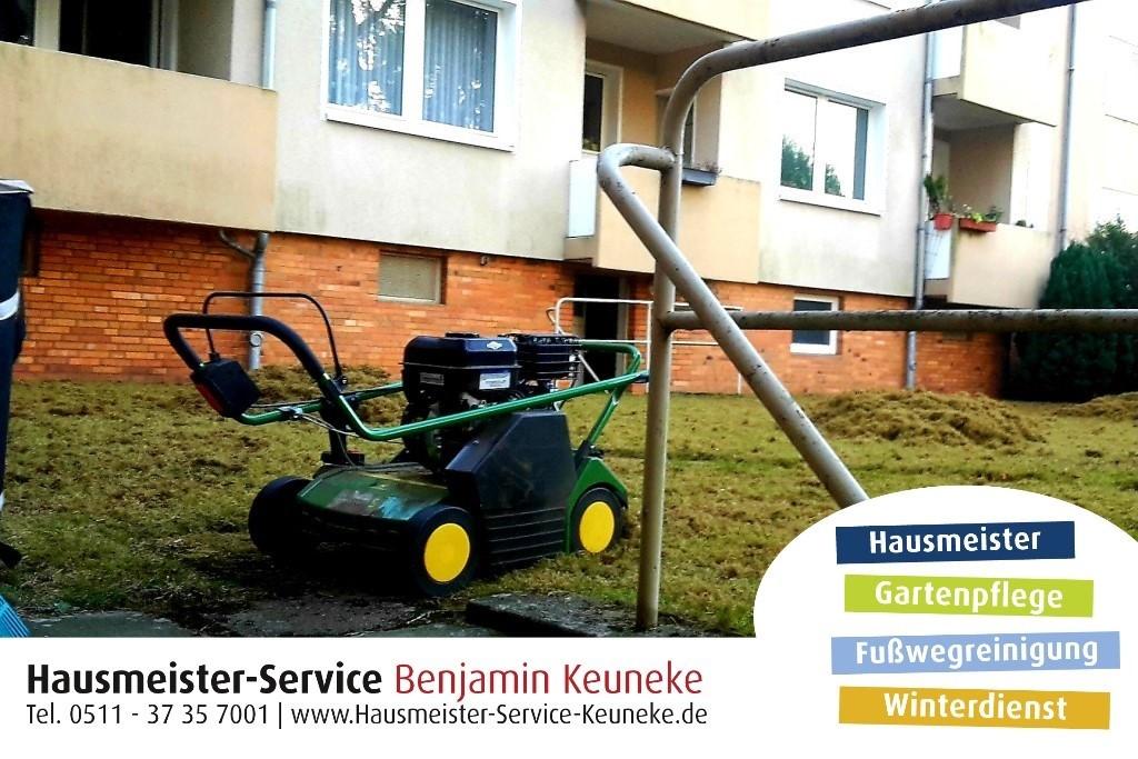 Vertikutirer, vertikutieren von Rasen und gr. Rasenflächen + Rasen sanden, Rasenrakeln Rasen Rakel in Hannover