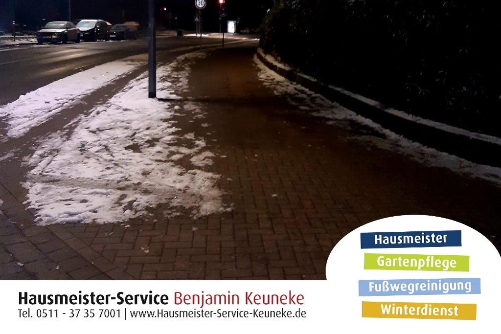 Winterdienst, Straßenzufahrt, Zugänge zur Straße, in Hannover
